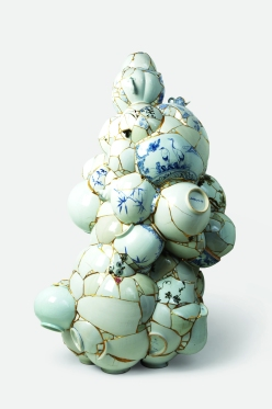 Translated Vase, 2007, Ceramic Trash, epoxy, 24 gold leaf, 160 cm x 90 x 90 cm, Yee Sookyung
